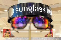 When it comes to fashion and sunglasses Sunglass Hut knows what's what. We pick coveted brands and put them right before your eyes. With so many great styles to choose from you won't know where to look. Thankfully, our experts are on hand to help you find the perfect pair.