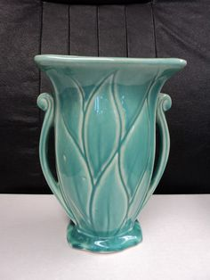 VINTAGE 1940'S McCOY ART POTTERY CERAMIC VASE~ DOUBLE HANDLE~ TURQUOISE~ VFC