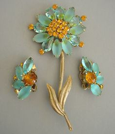 WEISS daisy brooch and earrings in aqua and topaz rhinestones set in ...