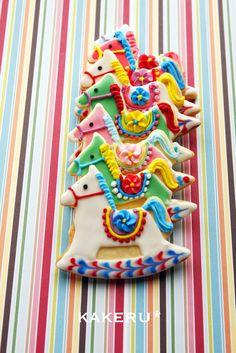 Rocking horse sugar cookies make colorful edible tree ornaments. /So very pretty EL. Fancy Cookies, Iced Cookies, Cut Out Cookies, Cute Cookies, Cupcake Cookies, Cookies Et Biscuits, Sugar Cookies, Iced Biscuits, Birthday Cookies