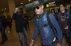 Neymar y Alves ya están en Barcelona +http://brml.co/1AmF2y8