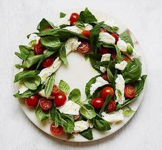 The wreath is a classic Christmas decoration frequently hung on doors - but the shape also makes a party platter to impress. Food stylist Suzannah Butcher suggests recipes for delicious wreaths. Christmas Salad Recipes, Salad Recipes For Dinner, Easy Salad Recipes, Christmas Appetizers, Christmas Sweets, Christmas Wreaths, Healthy Recipes, New Year's Snacks, New Years Dinner