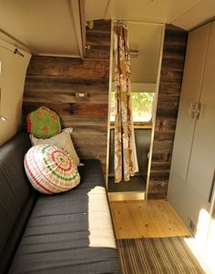 Boards on the wall. (maybe just one wall area. Not the whole camper.) if I ever decided to get a camper Airstream Campers, Airstream Remodel, Airstream Renovation, Airstream Interior, Vintage Airstream, Vintage Travel Trailers, Remodeled Campers, Camper Trailers, Vintage Campers
