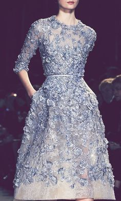 Elie Saab Haute Couture Spring 2013 // This is the dress Ill wear to all of the fancy parties Ill be attending when I live in Paris. Couture Fashion, Runway Fashion, High Fashion, Fashion Spring, Paris Fashion, Retro Fashion, Trendy Fashion, Style Fashion, Womens Fashion