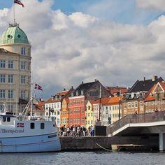 Nyhavn Kopenhagen #nyhavn #ig_today #ig_eurasia #ig_denmark #kopenhagen #architecture #architektur #instagood #instalife_shot #colour #color #nature #denmark #københavn #ig_europe #urban www.porip.de