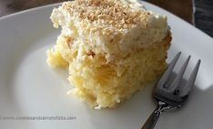This moist and fluffy coconut pineapple cake, with delicate tropical flavors, will put some sunshine on your plate all year round. Coconut Pineapple Cake, Carrot Sticks, English Food, Cake Cookies, Carrots, Ice Cream, Desserts, Recipes, Pineapple Coconut