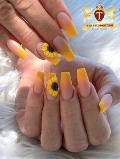 Acrylic Nails Yellow, Diy Acrylic Nails, Acrylic Nails Coffin Short, Coffin Nails, Yellow Nails Design, Green Nails, Grunge Nails, Swag Nails, Pointy Nails