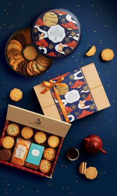Behance :: 为您呈现 Dessert Packaging, Bakery Packaging, Food Packaging Design, New Year Packages, Chinese New Year Design, Leaflet Design, Chocolate Packaging, Moon Cake, New Year's Desserts