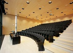 Education Seating & Lecture Hall Seating from Leadcom - we provide lecture theatre seating, fixed row seating and collaborative seating for university, college, training institutions and school theaters at the right budget. Auditorium Design, Auditorium Seating, University Hall, Theatrical Scenery, Lecture Theatre, School Hall, Modern Church, Function Room, Theatre Design