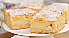 Apple pie with custard in flaky pastry - Little Candy Flaky Pastry, Custard, Apple Pie, Vanilla Cake, Malaga, Sandwiches, Cheesecake, Sweets, Candy
