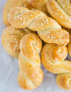 Koulourakia: Greek Easter Cookies Koulourakia :: Traditional Greek Easter cookies that are infused with orange zest and perfect for dunking in coffee. Use baking ammonia for a fully authentic cookie! Greek Sweets, Greek Desserts, Greek Recipes, Greek Cookies, Baby Cookies, Heart Cookies, Valentine Cookies, Christmas Cookies, Birthday Cookies