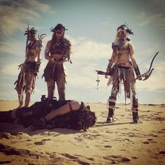 Wasteland Warriors / post apocalyptic women / dystopia cosplay / LARP / a dead guy