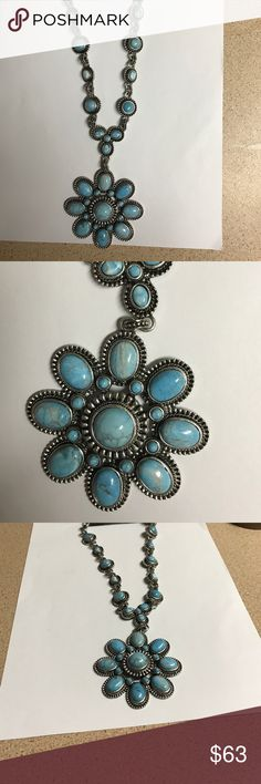BEAUTIFUL STATMENT NECKLACE Shades of turquoise   Embedded in silver casing Express Jewelry Necklaces