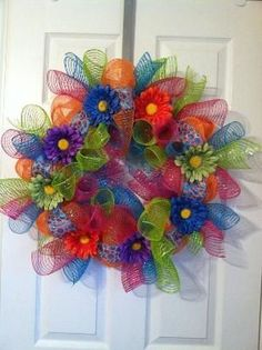 Summer mesh wreath These colors would look great in front of my red brick house! Deco Mesh Wreaths, Holiday Wreaths, Holiday Crafts, Burlap Wreaths, Summer Deco, Wreath Crafts, Diy Wreath, Wreath Ideas, Wreath Making
