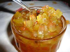 A textura lembra muito a do doce de mamão verde, mas com um leve sabor de melancia.