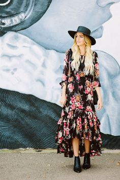 c6ebec74d60dd1 Caitlin Lindquist of the fashion blog Dash of Darling styles a Spell Designs  Jagger bohemian floral