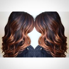 LOVE: dark brown to chocolate dark brown to balayage light golden blonde highlights - if I highlighted my hair it would be this. Copper Highlights On Brown Hair, Blonde Highlights, Brown Balayage, Caramel Highlights, Copper Balayage Brunette, Copper Blonde, Caramel Blonde, Caramel Hair, Caramel Color