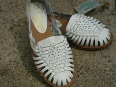 Vintage kids new leather huarache sandals 10 DOLLAR