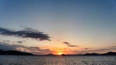 26  Sept. 18:08 博多湾日の入りが始まりました。 #sunset ( Evening Now at Hakata bay in Zipangu )