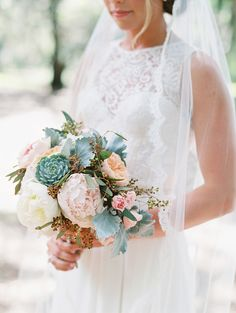 Sarah Seven wedding dress - planning, design + florals by Gray Harper Event Maker // Images by The Happy Bloom