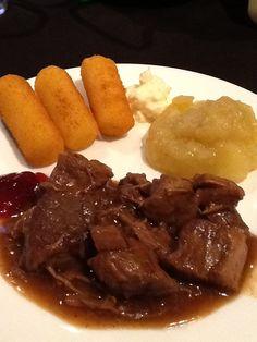*Nationale stoofvleesdag a la Jeroen meus . Zie zijn recept op dagelijkse kost. Smakelijk. Blijft een Belgische topper!!!
