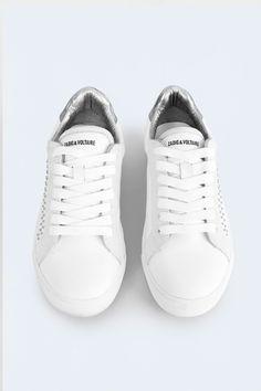 Sneakers basses Zadig et Voltaire, clous sur les côtés, arrière matelassé en cuir irisé, logo et nom du modèle imprimé sur le devant, semelle gomme, talon 2cm, 100% cuir