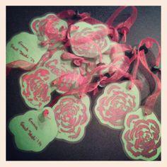 Roses de Sant Jordi'14  Punts de llibre, fetes amb api.