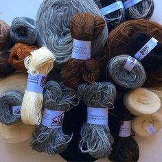 Så klart det blev en del garn på Island också. Bought some Iceland yarn. #garn #yarn #iceland #icelandicwool #þingborgullarvinnsla #þingborg