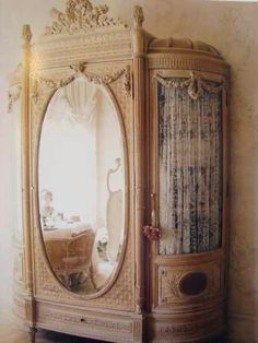 4 Best Tips AND Tricks: Vintage Home Decor Items vintage home decor living room cabinets.Vintage Home Decor Inspiration Wall Art vintage home decor inspiration wall art.Vintage Home Decor Shabby Chairs. Shabby Vintage, Vintage Soul, Vintage Decor, French Vintage, Vintage Antiques, Design Vintage, Vintage Beauty, French Antiques, French Armoire