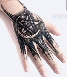 ✖️Sick hand tattoo done by the great artist ✖️I love this artist so much and you? Mandala Hand Tattoos, Butterfly Hand Tattoo, Skull Hand Tattoo, Free Hand Tattoo, Triangle Tattoos, Hand Henna, Black Tattoos, Body Art Tattoos, Small Tattoos