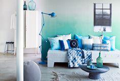 Styling: Cleo Scheulderman Photo: Jeroen van der Spek  Tie dye-idee - vtwonen, #ombre wall