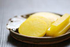 Danmuji (Korean Yellow Pickled Radish) Asian Pickels