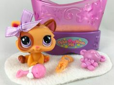 Littlest Pet Shop RARE Orange/Tan Eye Patch Kitten #2414 w/Crib & Accessories #Hasbro