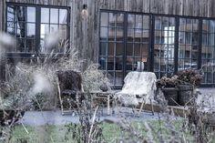#IHvillaholmberg #bygga #hus #nybyggnation #intressantahus #grått #kyligt #höst #mysigt #trädgård #järnvitriol #spröjs