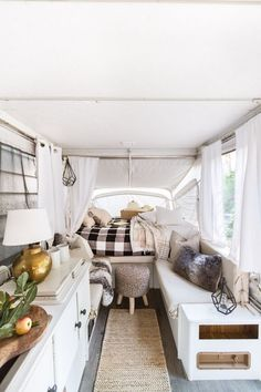 Pop up Camper with Fall touches throughout. Pop up Camper with Fall touches throughout. Popup Camper Remodel, Camper Renovation, Diy Camper, Camper Life, Small Pop Up Camper Remodel, Bus Remodel, Trailer Remodel, Camper Van, Casas Trailer