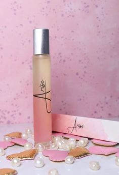 Check out a review of Arise oil fragrance with notes of jasmine flower, grapefruit, orange, Clean Perfume, Let It Shine, Daily Makeup, House Smells, Beauty Review, Perfume Oils, Pure Essential Oils, My Beauty