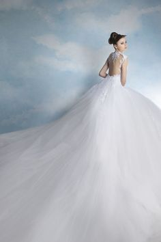 Tony Chaaya is one of the premier designers of wedding dresses, bridesmaid dresses and bridal gowns in Lebanon. The perfect dresses for the bride to be!