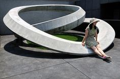 Taiwanese architect Hung-Yin Yen, an infinite loop in sulphate resistant concrete. Landscape Elements, Landscape Architecture Design, Urban Landscape, Architecture Diagrams, Architecture Portfolio, Memorial Architecture, Landscape Plaza, Concrete Architecture, Classical Architecture