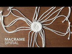 DIY Macrame Spiral Tutorial – The best ideas Macrame Plant Hangers, Macrame Bag, Macrame Jewelry, Diy Macrame, Micro Macramé, Macrame Design, Macrame Projects, Macrame Patterns, Crafts
