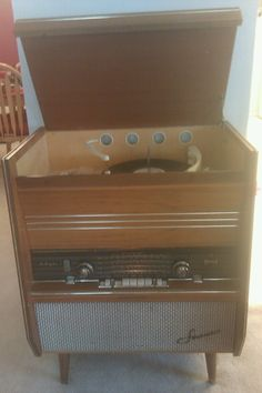 My Vintage 1960 Sonata Stereo ... still works!  My parents bought this in Spain the year I was born, 1961!  <3