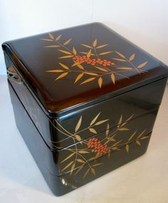 """Japanese Vintage Traditional Lacquer jubako """"Makie of Southern fruit """"  3-tier Bento box"""