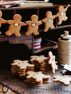 Cute Gingerbread Men Garland......