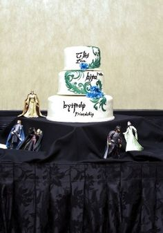 Lord of the Rings wedding cake. Idk if Ross wants a total nerd wedding. Lol