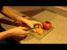 How to eat a Fuyu Persimmon - Tips & Preparation How To Eat Persimmon, Persimmon Homes, Persimmon Recipes, Caesar Pasta Salads, Cooking Recipes, Healthy Recipes, Healthy Food, Plant Based Eating, Delicious Fruit