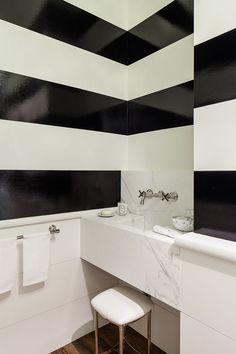 powder room polish :: high-gloss stripe