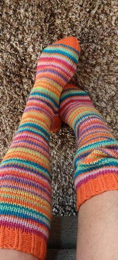 Sock Knitting, Tights, Tejidos, Knit Socks, Knitting Socks