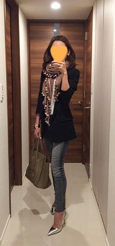 Black jacket: SISLEY, Grey skinnies: Mother, Scarf: Citrus, Beige bag: Celine, Silver heels: Jimmy Choo