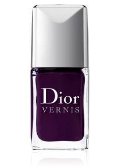 Les Violets Hypnotiques nail polishes by Dior - 996 Poison