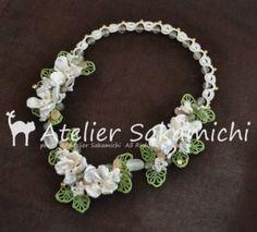 タティング パールのお花と白い小花のネックレス もう1つのブレードの完成。そして、ブレスレットにも♪の画像:タティングレース便り ~アトリエ さかみち~