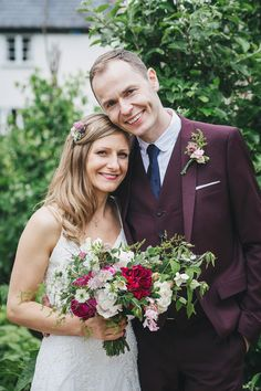Bride and Groom from a Pretty and Relaxed River Cottage Wedding. Photography by Helen Lisk